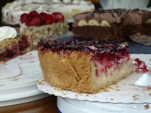 cake-buffet-58682_1920
